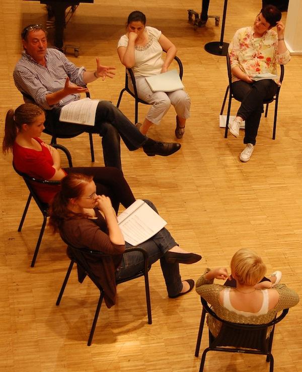 Besprechung der Opernrollen