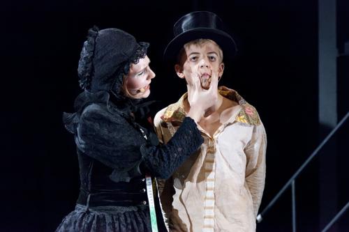 Mrs. Sowerberry und Oliver