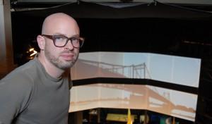 """Nils Kemmerling hat regionale Motive in seiner Videokunst zusammengefügt. Auf Leinwände projiziert, sorgen sie für die passende Atmosphäre beim Musical """"Oliver!"""" im Globe-Theater."""