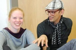"""Tanzpädagogin Tanja Emmerich hat mit dem """"Oliver!""""-Ensemble alle Choreografien einstudiert. Für Kostüme und Maske ist Sergio Abajur bei der Neusser Musical-Produktion verantwortlich."""