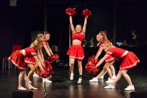Szenenfoto der Neusser Inszenierung von High School Musical